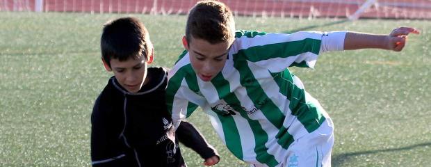futbolcarrasco2infantilcorodba1palomeras