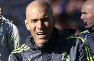 futbolcarrasco real madrid zidane triangulo transición